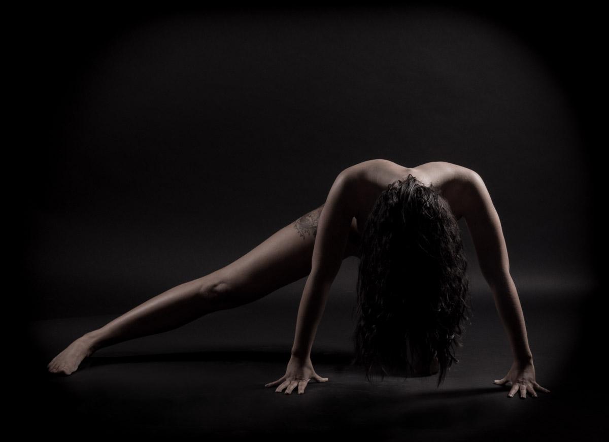 Aktfotografie Serie Adonis und Aphrodite der Moderne Bikinimodell Sara Reisetbauer by Doris Reinthaler